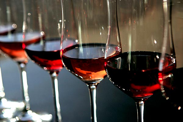 wineGlasses-55467930