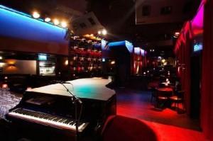 PIANO BAR-the-sopranos-piano-bar